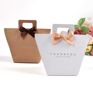 Grazie sacchetto regalo con la maniglia di nozze pieghevole kraft carta di caramella di imballaggio del profumo del cioccolato semplice