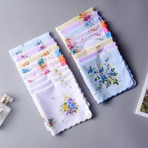 % 100 Pamuklu Mendil Havlu Bayanlar Çiçek Mendil Parti Dekorasyon Bezi Peçeteler Craft Moda Hanky Umman Düğün Hediyeleri DBC BH2662