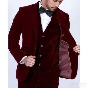 2019 Burgundy Velvet Men trajes Slim Fit 3 piezas Blazer hecho a medida Vino rojo Novio fiesta de baile esmoquin (chaqueta chaqueta pantalones chaleco empate)