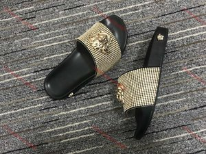Versace slippers xshfbcl Farbe Paris lusso Progettista Sliders der Frauen Männer Sommer-Sandelholz-Strand-Slide Slippers Damen Flip Flops Loafers Sky Blue Chaussures