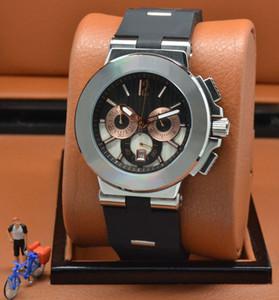 Exquisite Man Watch 42MM Cronografo al quarzo Mens Orologi Cinturino in caucciù Solido Fondello oro rosa Subdial orologio da polso con lunetta bianca