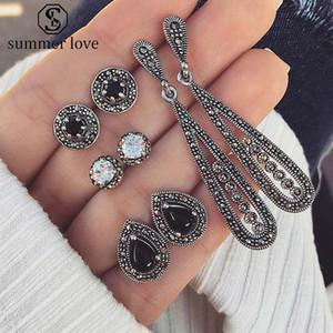 Vintage Crystal Waterdrop Geométrop Stocker Geometrop Set pour Femmes Filles Boho Dazzing Retro Boucle d'oreille Ensemble de bijoux avec cartes