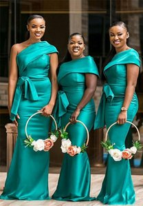 Plus Size Hunter Black Girls Bridesmaid Dresses For African Western Weddings Elegant One Shoulder Pleats Peplum Long Maid of Honor Gowns