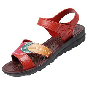 Yaz Kadın Düz Tabanlı Plaj Sandalet Orta Yaşlı Anne Ayakkabılar Sandalet Ayakkabı Seksi Yüksek Kalite outsid Bayan Ayakkabıları