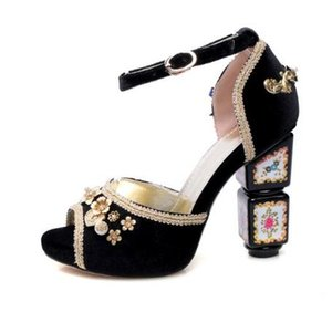 2019 New Chic Ankle Strap Women Sandals Retro High Heels Crystal Rhinestone Peep Toe Ethnic Knot Ankle Strap Shoes