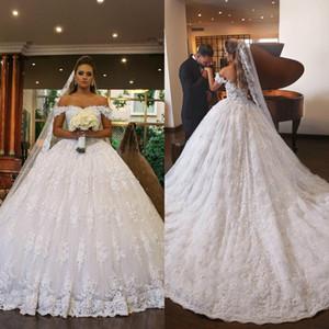 2019 princesa blanca vestidos de novia fuera del hombro cuentas de encaje tren de barrido vestidos de bola nupciales talla grande capilla vestido de novia