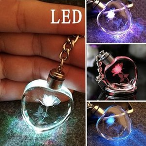 Chains New Flower Rose Led Light Keychain Luminous Cristal Chaveiros Glowing Crystal Rose coração Trinket chave Key Rings coloridos