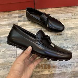 Neue 2020 Männer Luxus Entwerferkleidschuhe Leder-beiläufige Loafers Gentleman Slip on Wohnung Oxford Schuhe Top-Qualität 38-44 Drop-Shipping