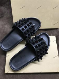 Para hombre zapatillas para hombre tirón inferiores del rojo de lujo de la playa para señoras Spikes Zapatilla marea masculina Inicio antideslizante de los deslizadores de cuero de los fracasos de los calzados informales
