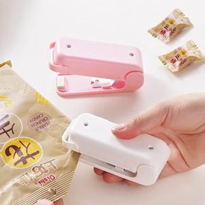 Einzelhandel Tragbare Heat Sealer Plastik Paket-Speicher-Beutel Mini-Dichtungs-Maschine Handy-Aufkleber und Dichtungen für Lebensmittel Snack Küchenzubehör