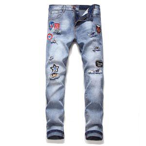 Erkek Yırtık Skinny Jeans Streetwear Diz Delikler Rozet Nakış Yama Erkek Stretch Casual Koşucular Denim Pantolon tahrip