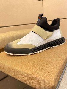 Louis Vuitton 2020 xshfbcl Nouveau de haute qualité moulant mâle l rouge hommes et femmes chaussures de chaussures Sport de bas modo de desporto bas plat extéri