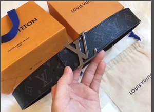 2019AAA Diseñador de la marca de moda de moda masculina 2019 cinturón de cuero de lujo dorado 2 letras de plata hebilla de cinturón 1