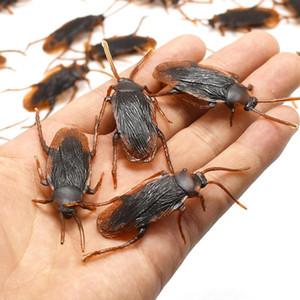 12pcs divertente falso scarafaggio decorazione di Halloween Props Jokes Scherzi Maker Novità Trucchi di simulazione False Cockroach Giocattoli