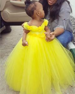 Yellow Off the Shoulder Flower Girl Dresses Hand Flowers Little Girl Wedding Dresses Communion Pageant Dresses Gowns Tutu Dress