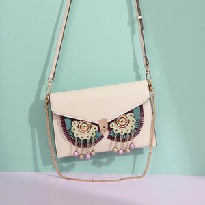 The design crossbody bag that new-style female is concise and lightweight joker, small and pure and fresh with mature style suit