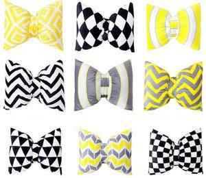 Ziemlich Geometric Bow Kissen mit Füllung / Car Nackenkissen Home Decor Bogen-Knoten-Rosette Startseite Dekorative Kissen Im Innern