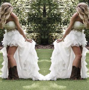 겸손한 높은 낮은 국가 스타일의 웨딩 드레스 아가 연발 오르자체 비대칭 장착 하이 - 로우 화이트 여름 해변 신부의 신부 가운