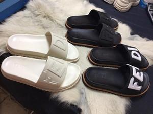 2019 spor tasarımcısı yaz erkek nefes rahat terlik düz sandalet mektuplar