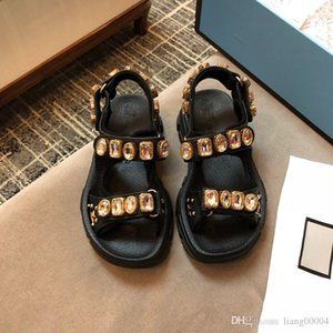 chaussures réelles! grand toboggan de la chaîne en cuir véritable sandales plates de femmes de luxe de caoutchouc de cause à effet de la mode de plage en plein air sandals35-40