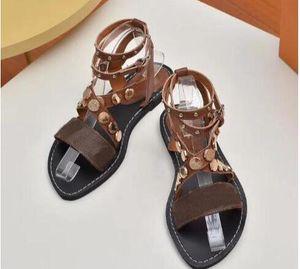 Moda de calidad superior de las mujeres populares de cuero sandalia llamativo gladiador estilo diseñador suela de cuero perfecto lienzo liso sandalia 35-41 25