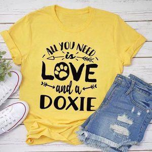 All You Need Aşk ve Bir Doxie Komik T Shirt Kadın Nedensel Anne Gömlek Yaz Moda Grafik Tee T-shirt Drop Shipping