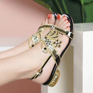 Sandali femminili Donna Sandali Sandalia Feminina sandali di cristallo Comodo Anti slittamento dei pattini basso quadrato Women
