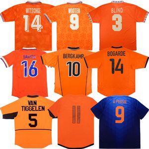 Rétro Pays-Bas Bergkamp Soccer Jersey 84 88 96 97 98 90 00 02 10 12 14 Holland Gullit Van Basten Classic Shirt de football