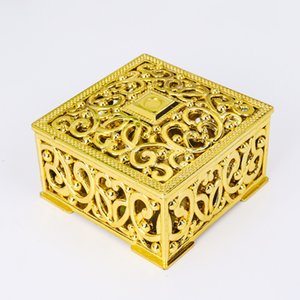 Hohle quadratische geformte Hochzeit Süßigkeitenkasten Gold Silber Farbe Kunststoff Geschenkboxen Geburtstagsfeier Favor Boxen