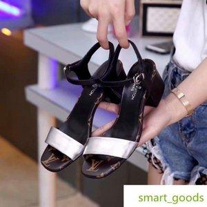 Neue Spezielle Metall Schaffell Frauen Beiläufige Handgemachte Walking Tennis Sandalen Hausschuhe Pantoletten Rutschen Tangas