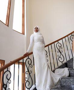 2019 Plus Size High neck Long Sleeve Mermaid Lace Beaded Luxury Muslim Wedding dress long Saudi Arabic Bridal gown