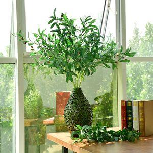 Simulazione di rami di ulivo a 6 e 10 forchette con foglie false di frutta per accessori di decorazione di nozze per simulare il verde delle piante