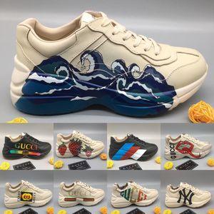 Mens Rhyton Sneaker en cuir avec vague bouche Web Print Tiger Strawberry Womens Designer luxe baskets Vintage chaussures formateurs papa chaussures