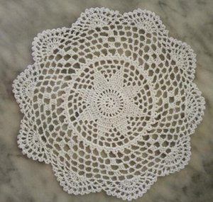 2019Hot round cotton placemat cup coaster mug kitchen Christmas table place mat cloth lace Crochet tea coffee doily Handmade pad