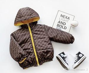 2020 GREA BABY Winter-Marken-Art- und Buchstabe-Druck-Kinder Thick Beidseitige Wearable Letter Print Kinder Thick Beidseitige Kleidung