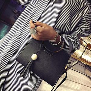 Дизайнер-Bolsa Mujer Сумки Женщины Новый Винтаж Бахромой Деревянные Бусины Набор Кольцо Сумка Messenger Сумка Модные Дамы Дропшиппинг
