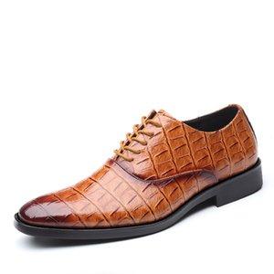 ~ 48 38 Artı boyutu Mens Oxford Deri Ayakkabı Timsah Desen Dantel Yukarı Sivri Burun Elbise Düğün Ayakkabı İtalyan Erkekler Formal Ayakkabı Kırmızı