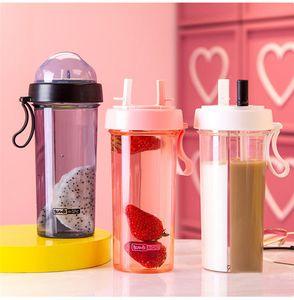 Doppia paglia acqua Bottiglie Coppie bottiglia di acqua potabile delle ragazze dei ragazzi di plastica portatile di sport bottiglia di acqua 600ml BPA