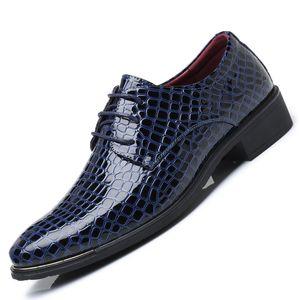 Zapatos de hombre de cocodrilo para adultos puntiagudo dedo boda oficina de la moda social elegante negocio formal zapatos hombres Nueva imitar cuero