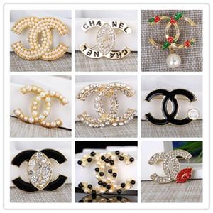 Luxe strass cristal Broche célèbre Lettre Broche Corsage Femmes Broches Bijoux Fashion Décoration Costume