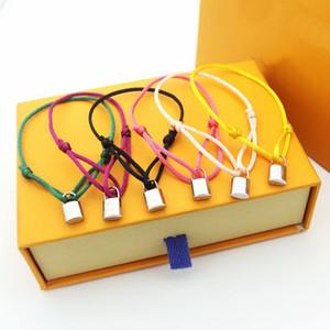 Простой стиль Мужчины Леди прицепных Цветные Веревка Cord браслеты с золотом 18K Гравировка V Письмо серебряным замком Подвески