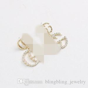 Articolo squisita all'ingrosso Giappone e Sud Corea Lettera Style Long stile esagerato orecchini europea Temperamento Pearl Diamond Pendant