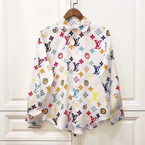 Europäische klassische styleLuxury 20ss = Männer Top-Business-und Freizeit-Mode-Shirts dünnes langes Hülsenhemd Druck Meduse Verbrechen