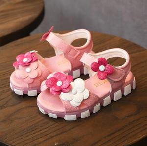 Kızlar için yeni Yaz Çocuk Sandalet Yumuşak Deri Çiçekler Prenses Kız Ayakkabı Çocuklar Plaj Sandalet Bebek Yürüyor Ayakkabı
