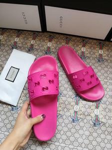 2020 nuevas señoras atractivas de la manera sandalias planas del talón damas dobles zapatillas de diseño de la marca de moda de verano casuales sandalias de playa