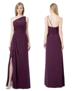 La gracia del ciruelo de la gasa de un hombro vestidos de honor formal del partido junior Vestidos de dama de honor de dama de Split lateral personalizado 2-18 D8B019