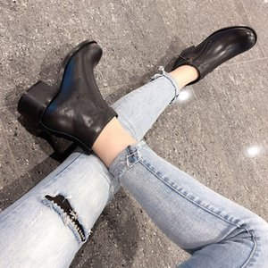 High-quality 2019 19ss spring fall Designer Shoes Fashion womens black real leather chunky mid heels zip up ankle BOOTS