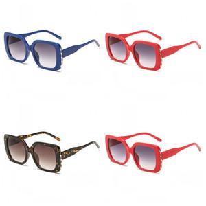 Designer di marca Occhiali da sole quadrati Occhiali da sole per esterni a prova di raggi ultravioletti Colore puro Lenti grandi Occhiali a variazione graduale 7 5bx I1