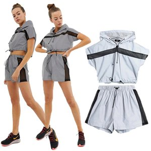 Reflective Summer Womens Designer Tracksuits Patchwork Hooded Tshirts With Shorts Short Sleeve With Summer Womens Short Pants Sets