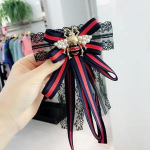 Europa e América Moda Bow Broches Corsage Luxo Uniforme Bee Stripe Black Lace broche Mulheres shirt Presentes vestir Broche doce Pin